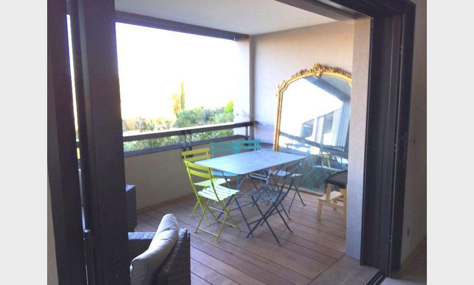 T2 RECENT AIX SUD avec terrasse et garage en ss-sol : Photo 2