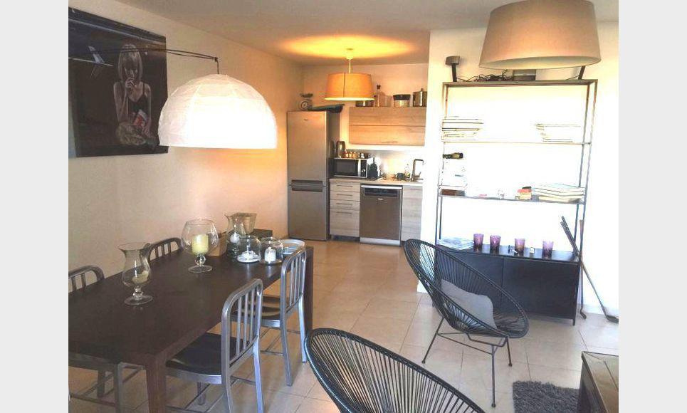 T2 RECENT AIX SUD avec terrasse et garage en ss-sol