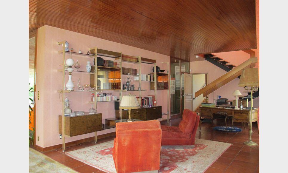 Villa d'architecte toit terrasse T6 261,55m2 sur 6700m2 : Photo 7