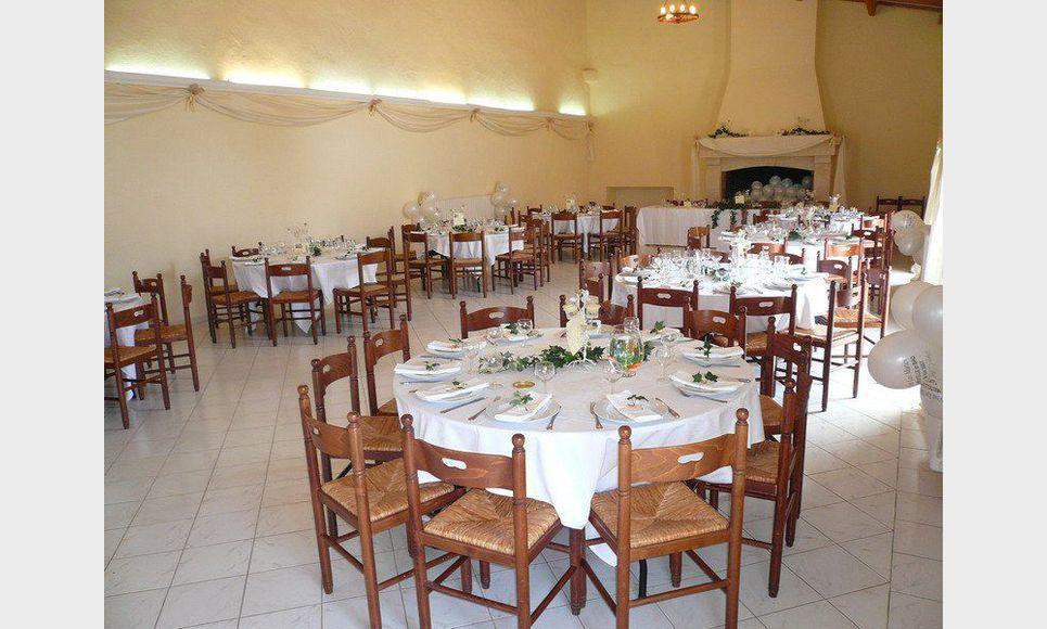 RIANS - DOMAINE DE 220 HECTARES - MARIAGES - RÉCEPTIONS - CH : Photo 1