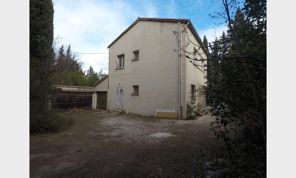 Villa T6 120m2 avec garages sur un terrain de 1500m2
