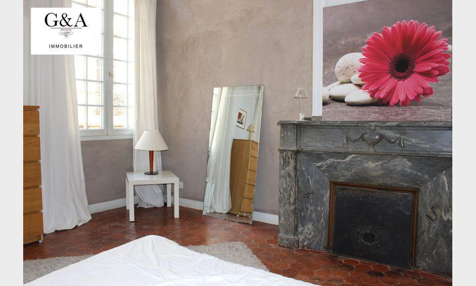 Grand T2 Meublé proche Place des Prêcheurs : Photo 4