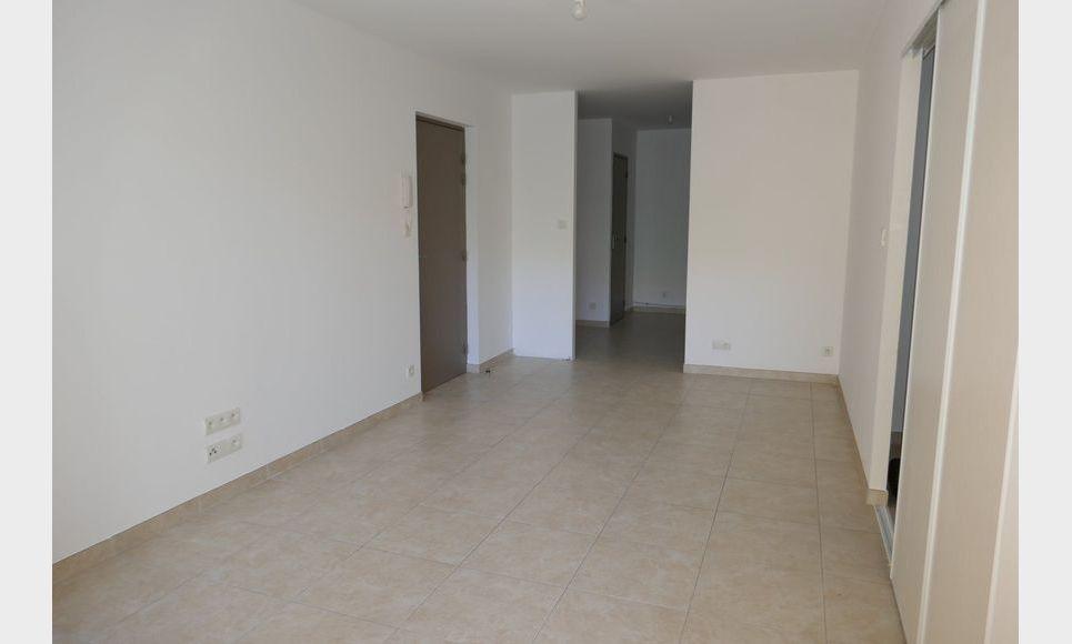Appartement T2 50m2 avec terrasse et parking Luynes : Photo 2