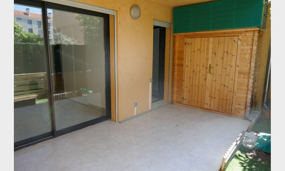 Appartement T2 50m2 avec terrasse et parking Luynes