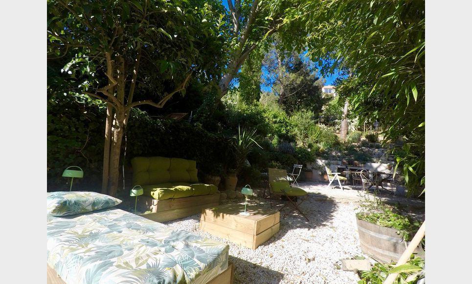 Aix en Provence - Villa T6 165m2 sur 645m2 de terrain paysag : Photo 3