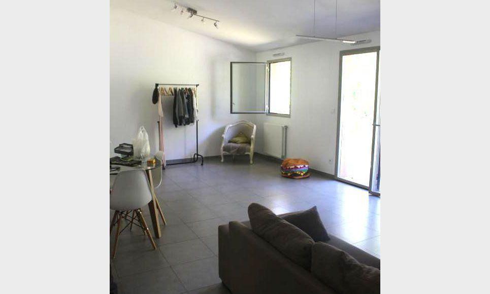 AIX NORD : T2 Standing 64m2 dans belle résidence : Photo 1