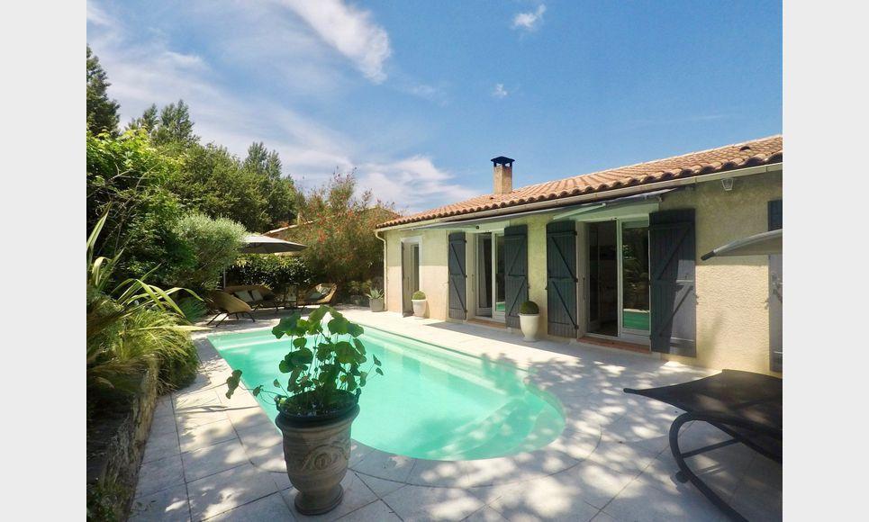 EXCLU - Villa plain pied T4/5 106m2 avec piscine sur 510m2 d : Photo 1