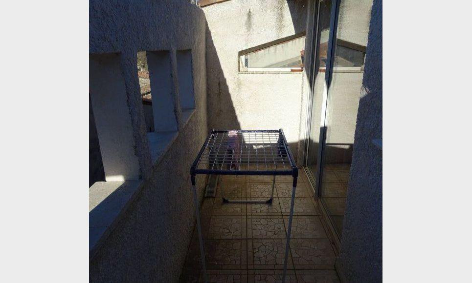 LA CELLE - STUDIO AVEC MEZZANINE ET BALCON : Photo 1
