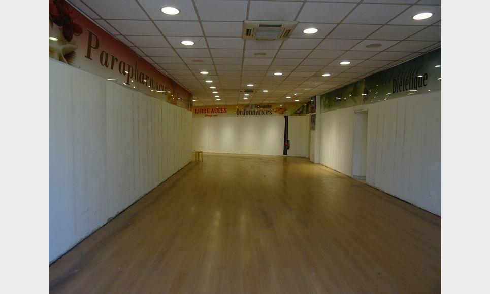 LOCAL COMMERCIAL D'ENVIRON 110 m2 : Photo 1