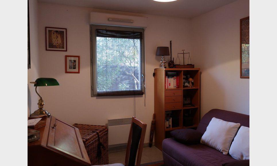 Type 3 avec jardin et terrasse dans résidence sécurisée : Photo 4