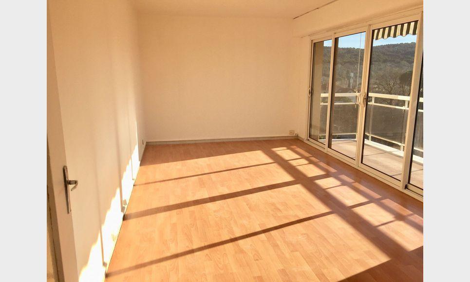 Aix Sud, T2 55 m2 résidence avec ascenseur, parking, cave