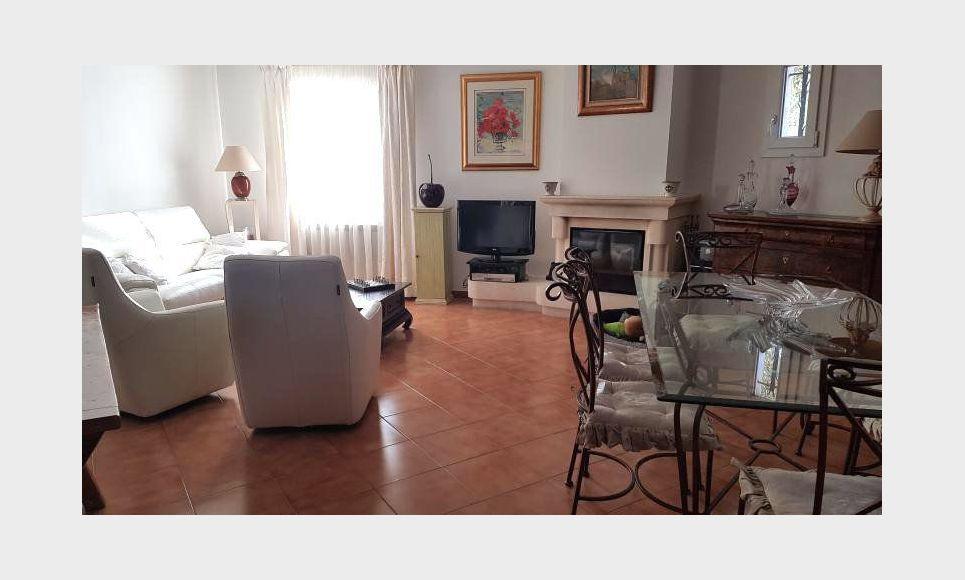 Aix en Provence à 4km de la Rotonde - Maison dotée de matéri : Photo 1