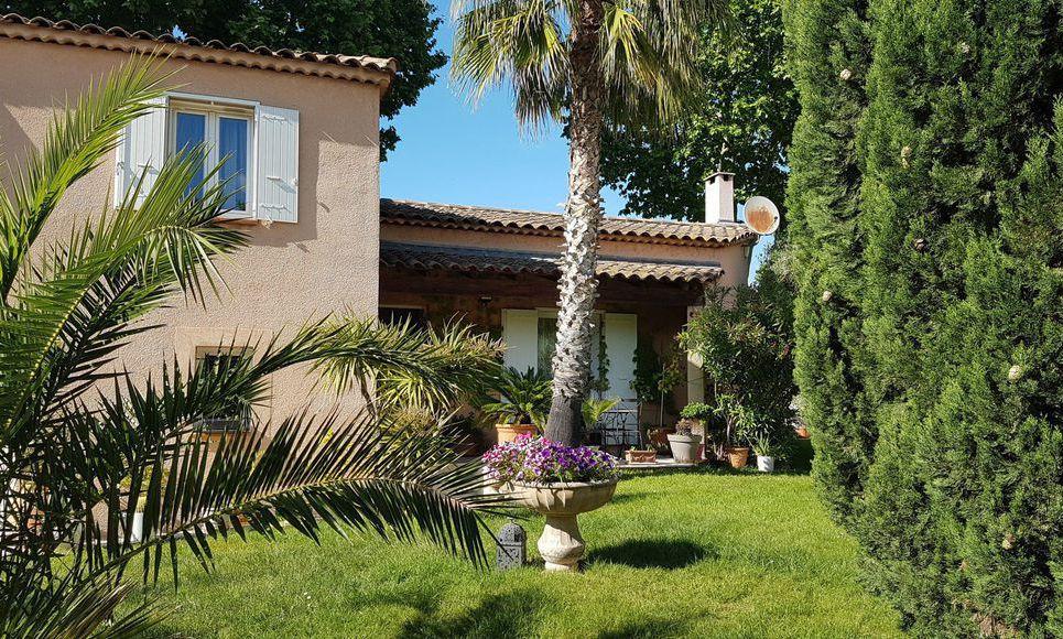 Aix en Provence à 4km de la Rotonde - Maison dotée de matéri