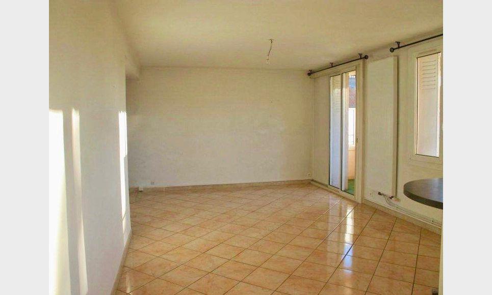 EXCLU - Appartement T3 68m2 Balcon - Cave - Stationnement Ai : Photo 3