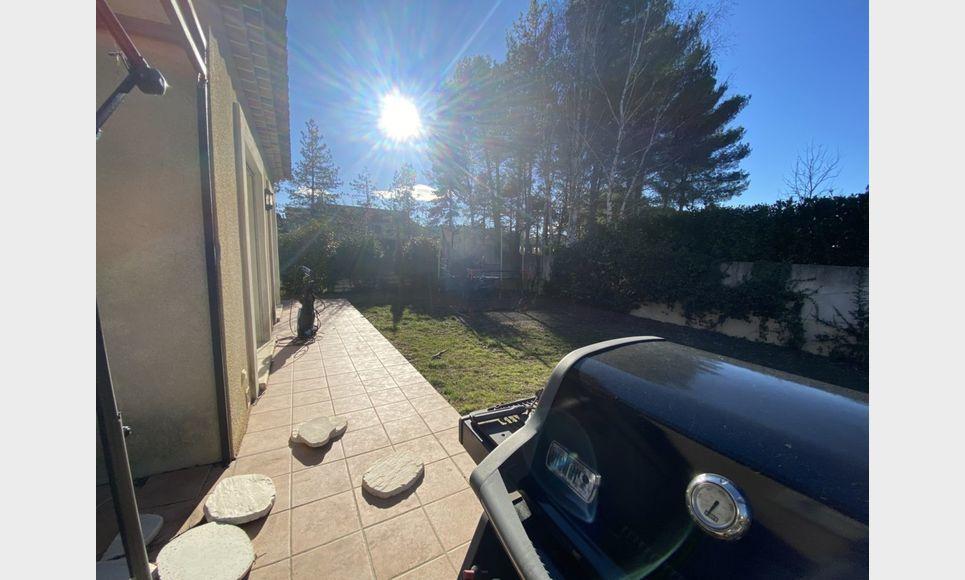 CABRIES : Villa de 5 pièces R+1 de 140m2 avec terrain de 600 : Photo 2