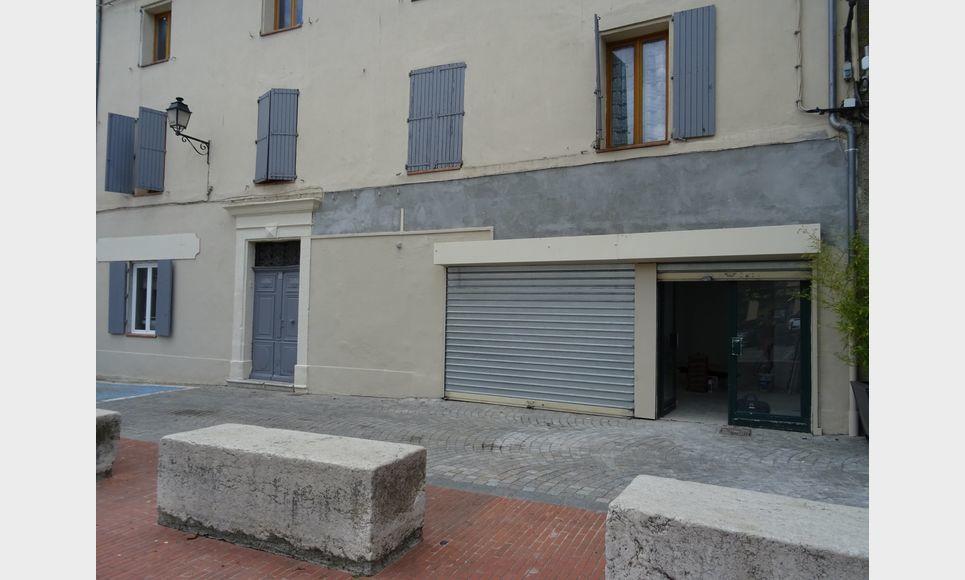 LOCAL PROFESSIONNEL / COMMERCIAL D'ENVIRON 150 M2 : Photo 1