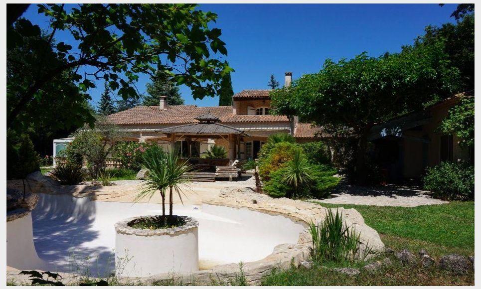 SAINT CANNAT - Propriété T7 de 261 m2 - Piscine - Jardin 4 2 : Photo 3