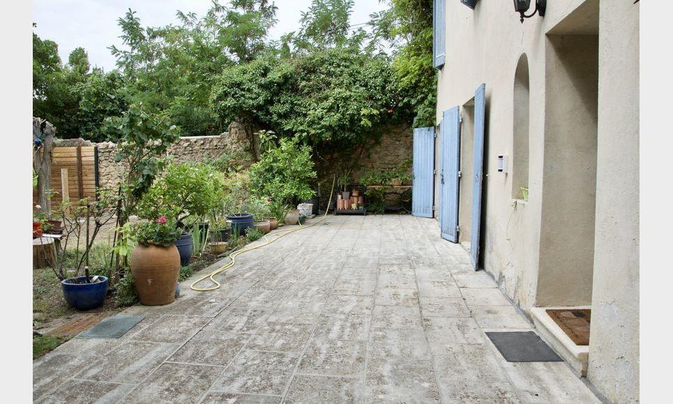 SALON DE PROVENCE - Mas provençal de 135 m2 - Terrain piscin : Photo 1