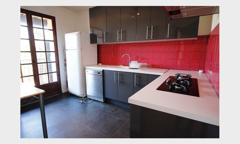 LES PENNES MIRABEAU Villa T5 113m2 sur 1300m2 jardin avec pi : Photo 3