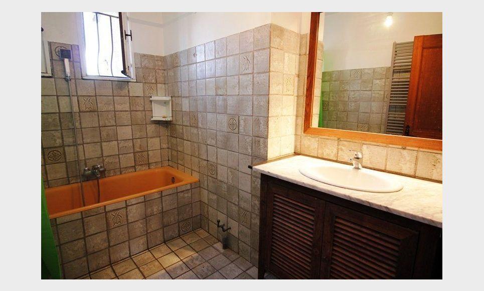 LES PENNES MIRABEAU Villa T5 113m2 sur 1300m2 jardin avec pi : Photo 7