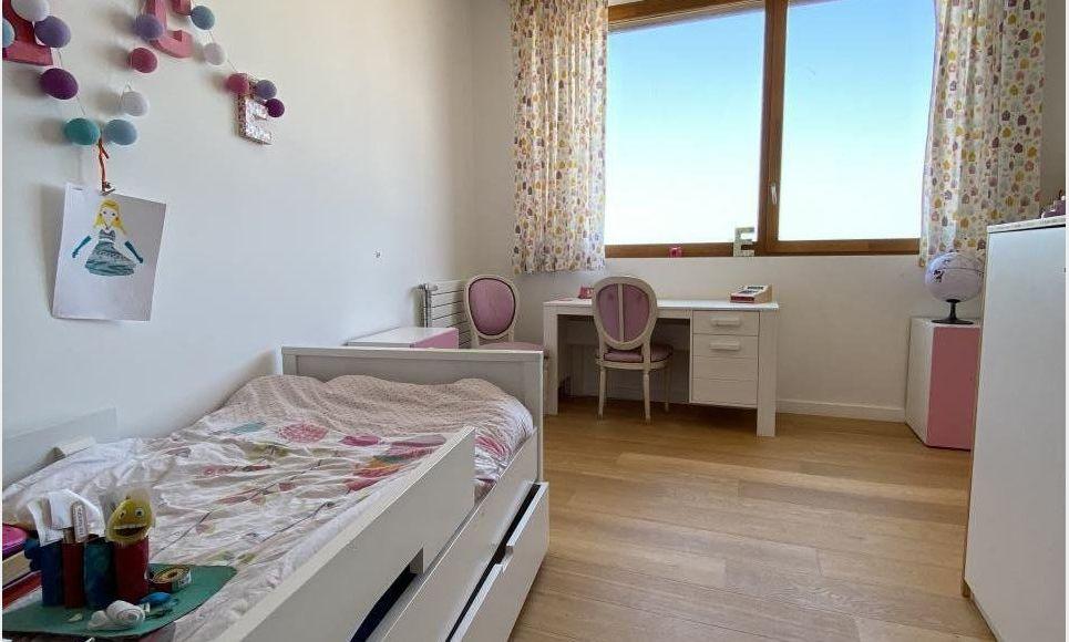 LUYNES - Villa T6 de 150 m2 - Terrain piscinable 706 m2 : Photo 3