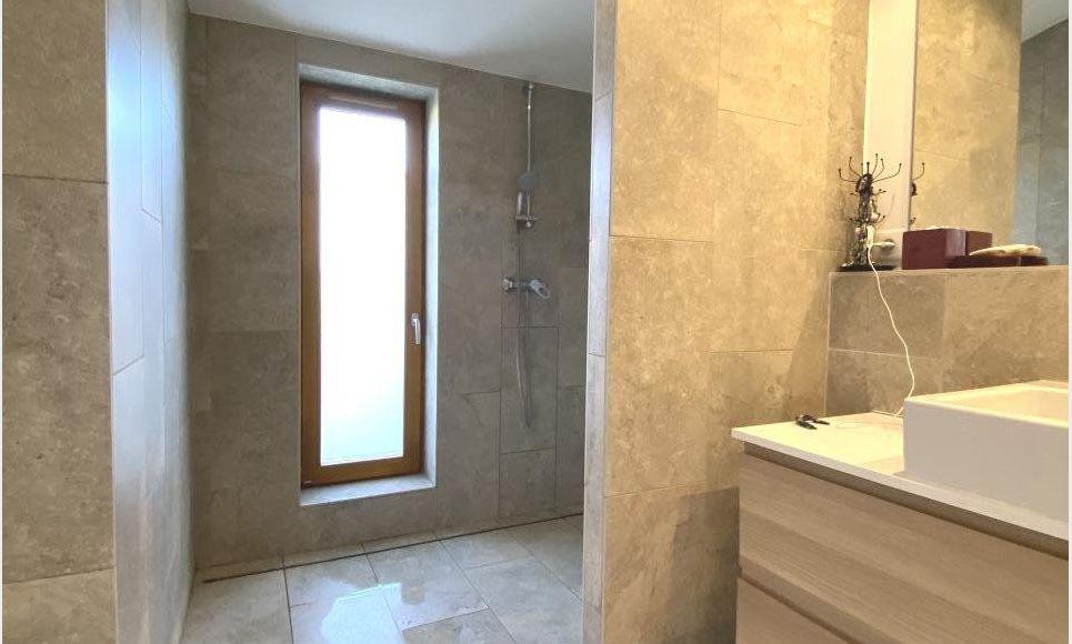 LUYNES - Villa T6 de 150 m2 - Terrain piscinable 706 m2 : Photo 4