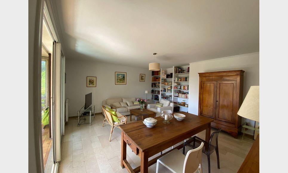AIX LA TORSE - T4 104 m2 - Résidence avec piscine et tennis : Photo 2
