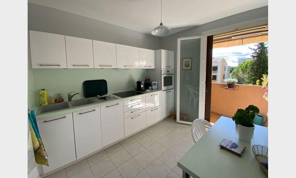 AIX LA TORSE - T4 104 m2 - Résidence avec piscine et tennis : Photo 3