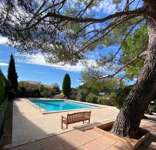 AIX LA TORSE - T4 104 m2 - Résidence avec piscine et tennis