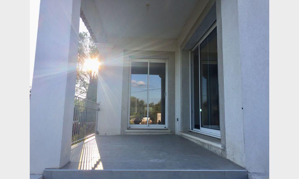 BRIGNOLES - Maison T4 avec jardin : Photo 5