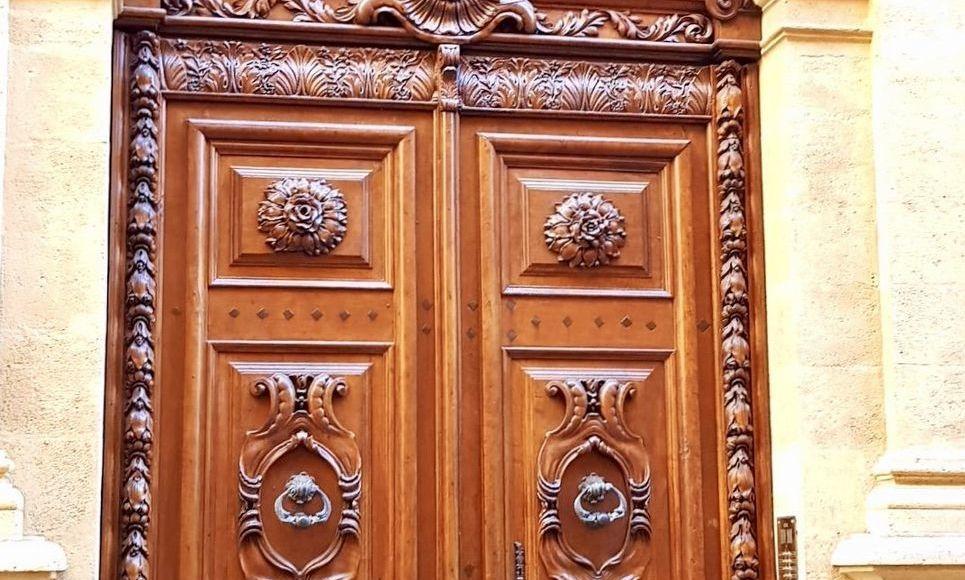 AIX CENTRE VILLE HISTORIQUE - T3 de 72 m2 - Hôtel Particulie : Photo 1