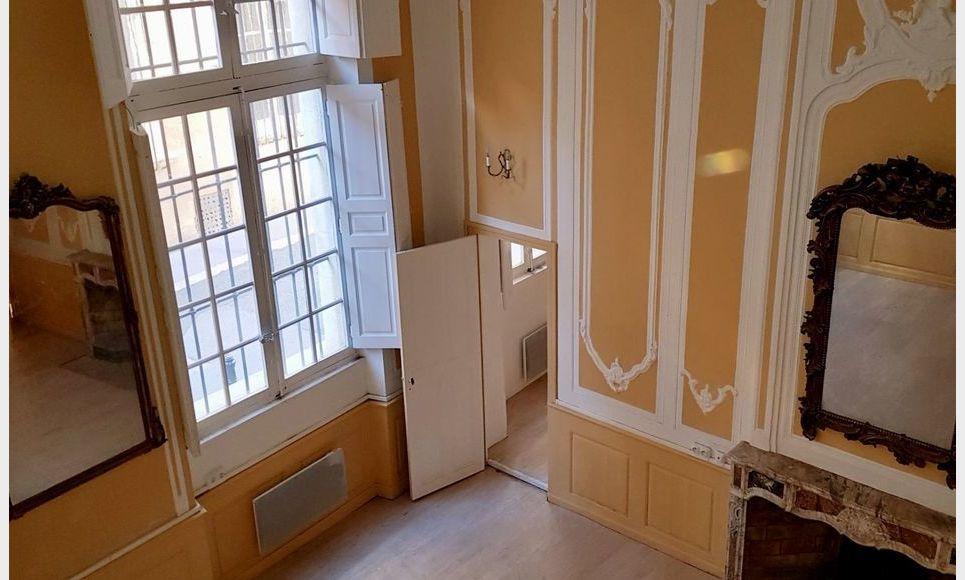 AIX CENTRE VILLE HISTORIQUE - T3 de 72 m2 - Hôtel Particulie : Photo 3