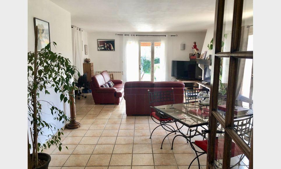 PUYRICARD - VILLA T5 de 127 m2 - Plain pied : Photo 4