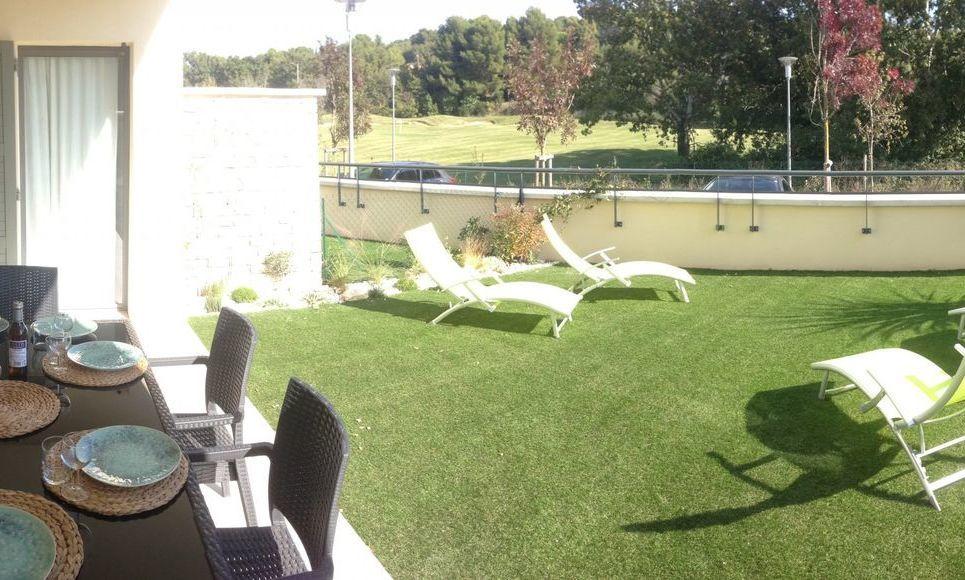AIX SET CLUB - T2 de 44 m2  - Rez-de jardin avec vue golf