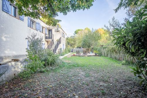 FUVEAU - T3 de 81,26 m2 - 1er étage d'une villa avec jardin