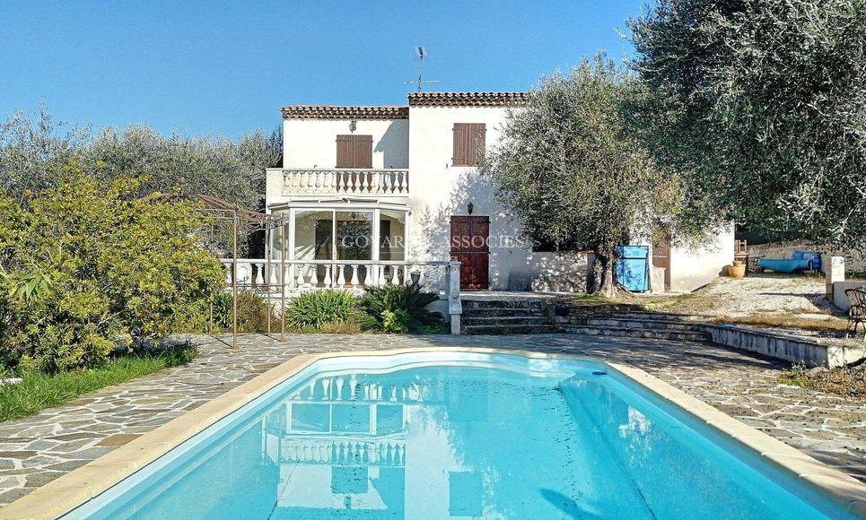 Villa avec piscine hauteur de Contes