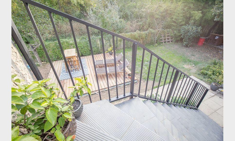 FUVEAU - T3 de 81,26 m2 - 1er étage d'une villa avec jardin : Photo 1