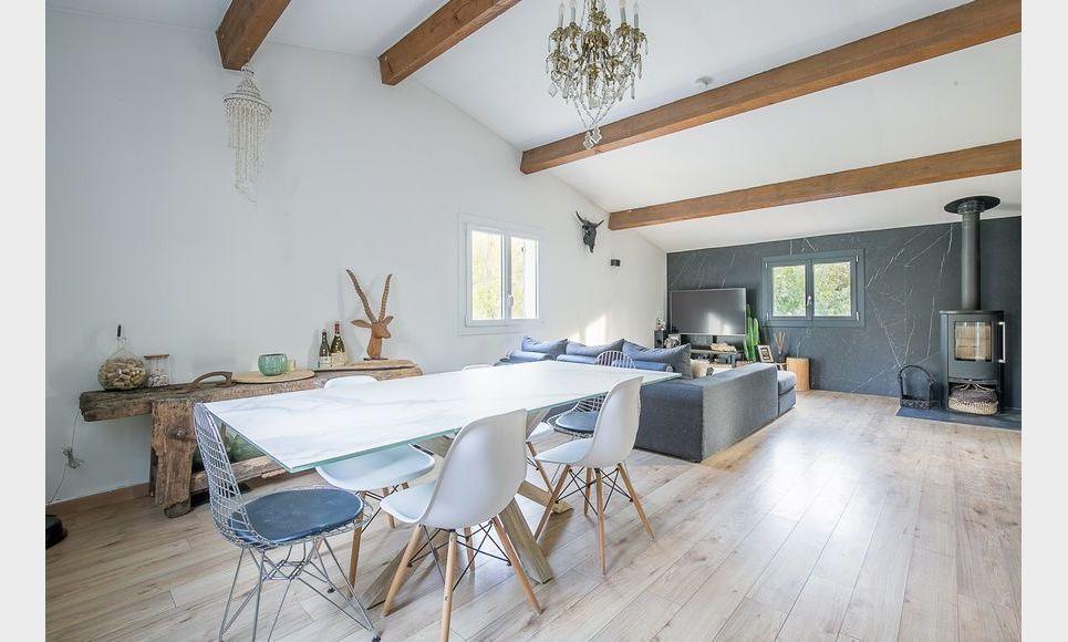 FUVEAU - T3 de 81,26 m2 - 1er étage d'une villa avec jardin : Photo 2