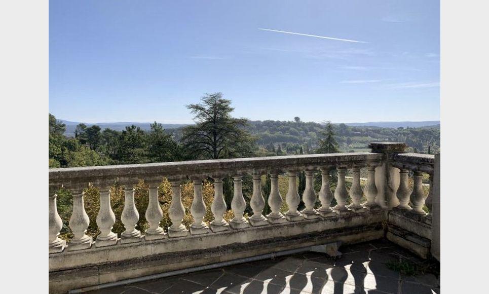 PIERREVERT - Château à restaurer et demeure de maître 310 m : Photo 3