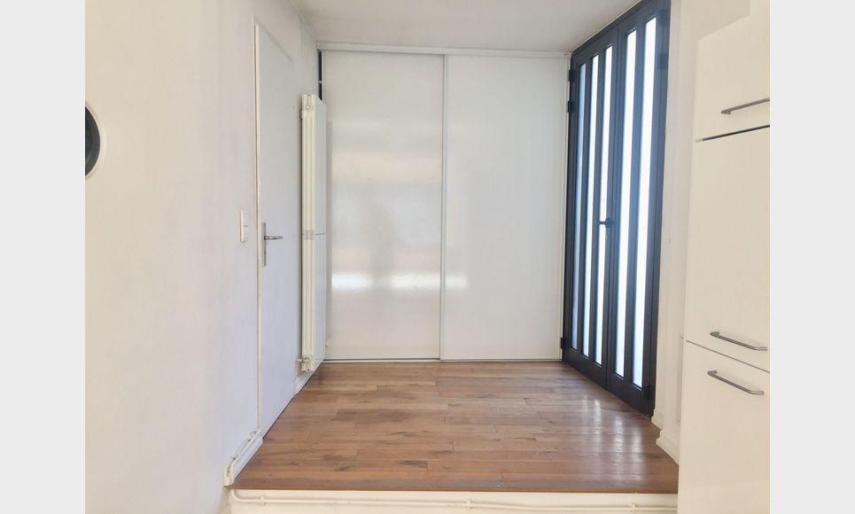 BARJOLS - Grand loft T2/T3 de 104 m2 : Photo 7