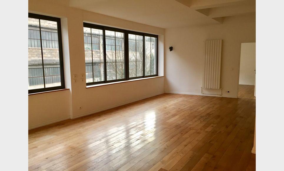 BARJOLS - Grand loft T2/T3 de 104 m2