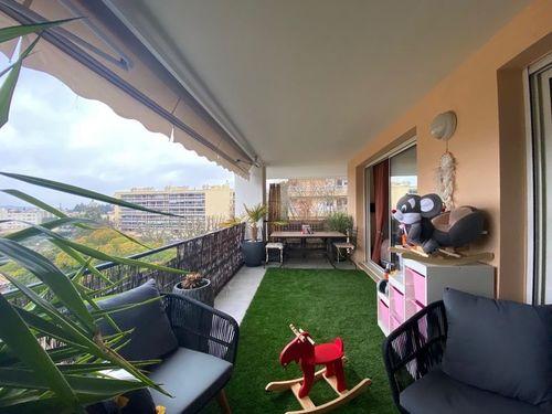 AIX LA TORSE - T3 de 70 m2 - Terrasses de 50 m2