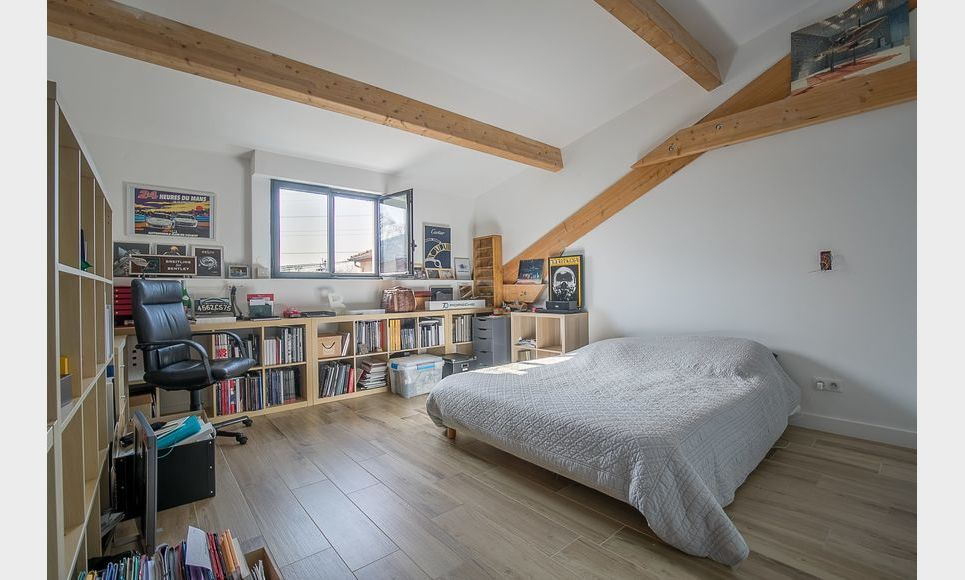 AIX EST - Propriété T7 de 287 m2 - Terrain 950 m2 : Photo 8