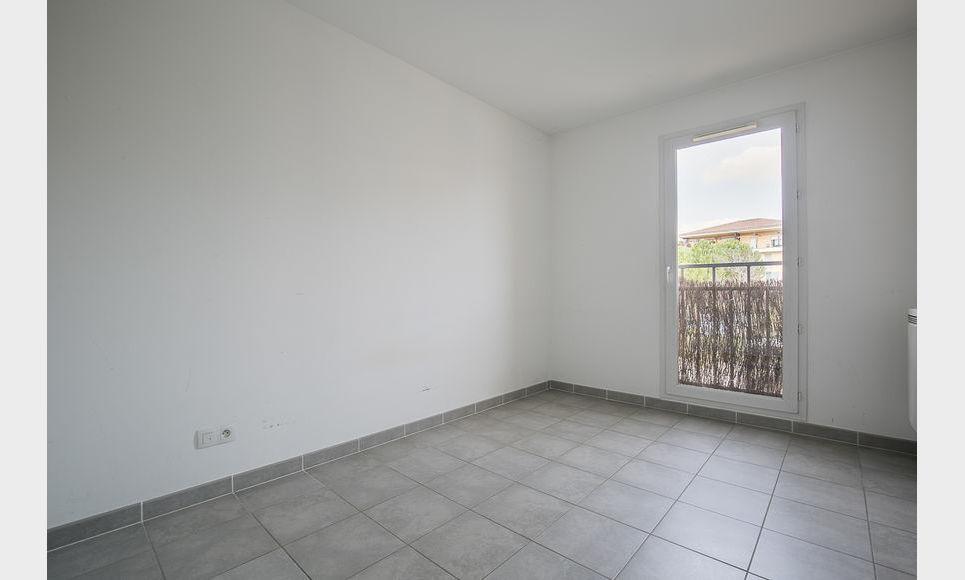 AIX ST JEROME - T3 de 57 m2 - Terrasse - Parking : Photo 6