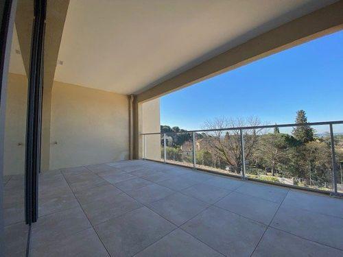 AIX LES GRANETTES - T2 de 41 m2 neuf - Terrasse et garage