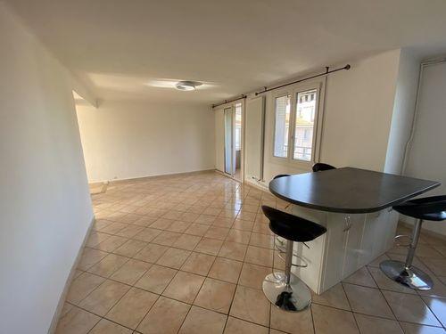 AIX EN PROVENCE - T3 de 68,24 m2 - Balcon - Stationnement