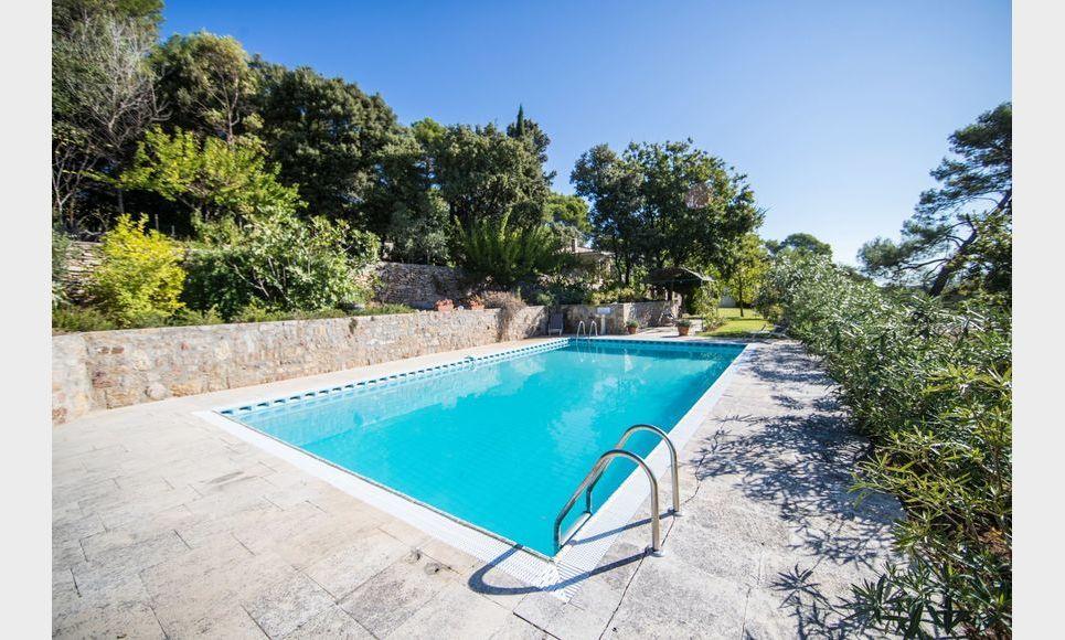 GOLF DE BARBAROUX - Villa T8 de 261 m2 - Terrain 2457 m2 : Photo 2