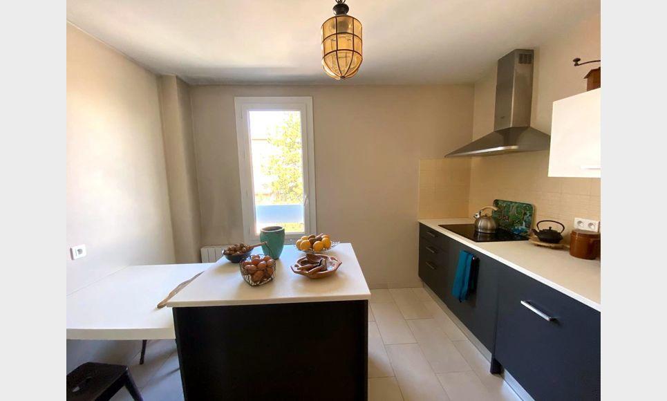 VENELLES CENTRE - T3 de 100 m2 - Duplex - Terrasse - Garage : Photo 1