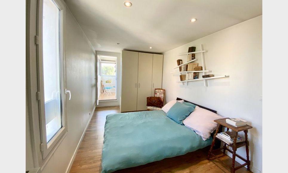 VENELLES CENTRE - T3 de 100 m2 - Duplex - Terrasse - Garage : Photo 4