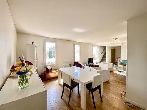 VENELLES CENTRE - T3 de 100 m2 - Duplex - Terrasse - Garage